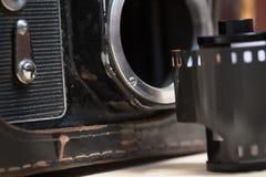 Alte Weinlesefotokamera mit Film Lizenzfreie Stockfotografie