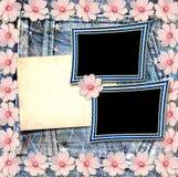 Alte Weinlesepostkarte mit schönen rosa Blumen Lizenzfreies Stockfoto