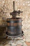 Alte Weinpresse Traditionelle alte Technik der Weinherstellung Stockbild