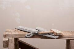 Alte Werkzeugspachtel und -bürste für Reparatur Lizenzfreies Stockfoto