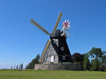 Alte Windmühle in Dänemark lizenzfreies stockbild