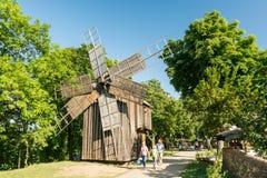 Alte Windmühle des 19. Jahrhunderts Stockbild