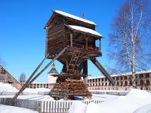 Alte Windmühle innerhalb des Klosters Lizenzfreies Stockfoto