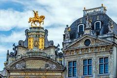 Alte Wohnungen in Grand Place Stockfoto