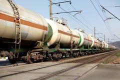 Alte Zuglastwagenkreuzung Bahn und Transportieren von Waren carriag Stockfotografie