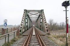 Alte Zugstraßenbrücke Lizenzfreie Stockbilder