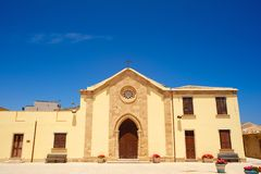 Alte zurückgestellte Kapelle in Marzamemi, Sizilien (Italien) Lizenzfreie Stockfotografie
