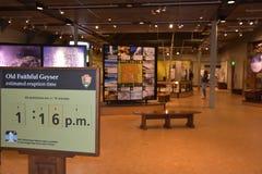 Alte zuverlässige Besucher-Mitte an Yellowstone Nationalpark in Wyoming Lizenzfreie Stockfotos