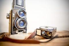 Alte zweiäugige Spiegelreflexkamera mit Belichtungsmesser Lizenzfreies Stockfoto