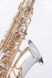 alten isolerade saxofonwhite Fotografering för Bildbyråer