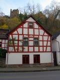 altenahr用木材建造的房子可爱 免版税库存照片