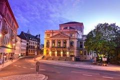 Altenburg Deutschland - Mai 2018: das eindrucksvolle Theater vor dem blauen Sommerhimmel Stockfotografie