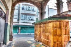 Alter Absatzmarkt im Stadtzentrum gelegen, der nicht in San Luis Potosi offen ist lizenzfreies stockfoto