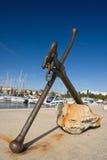 Alter Anker im Jachthafen von Porec lizenzfreie stockfotos