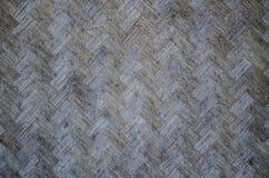 Alter Bambus im Korbwebartoberflächenmuster für asiatische Hausmauer im Abschluss oben stockbild