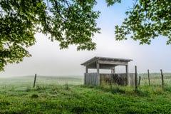 Alter Bauernhof-Stand Lizenzfreie Stockfotografie