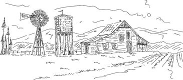 Alter Bauernhof unter Bergen Stockfotografie