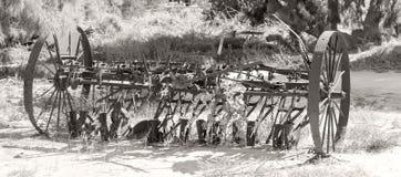 Alter Bauernhofpflug im Hinterland Australien stockfoto