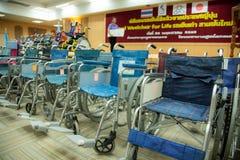 Alter benutzter Rollstuhl für das Leben, neue Träume Lizenzfreie Stockfotos