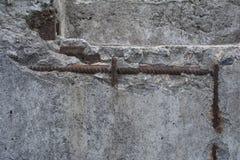 Alter Beton mit Abziehbild Stockbild