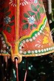 Alter Blecheimer gemalte Farben Stockbild