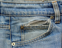Alter Blue Jeans-Taschen-Abschluss oben Stockbilder