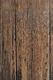 Alter brauner hölzerner Hintergrund oder Tapete Vertikales Bild lizenzfreie stockbilder