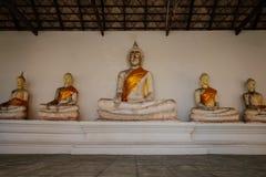 Alter Buddha und alte Backsteinmauer auf alten Monumenten, die sind Lizenzfreies Stockfoto