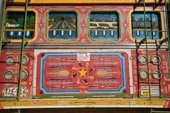 Alter bunter gemalter Bus nannte Chiva in Kolumbien Lizenzfreie Stockfotografie