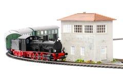 Alter Dampf Loco mit Personenkraftwagen Stockfotos