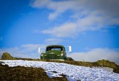 Alter Dodge-LKW auf Hügel außerhalb Emmett, Idaho stockfotografie