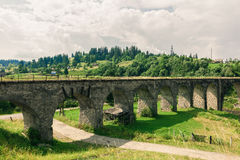 Alter Eisenbahnbrückeviadukt Stockbild