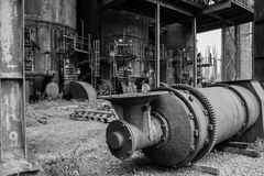 Alter Fabrikhochofen lizenzfreie stockfotos