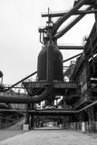 Alter Fabrikhochofen lizenzfreie stockbilder