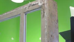 Alter Fensterrahmen Chromakey ruiniert stock footage
