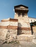 Alter Festungsturm in Nessebar in Bulgarien Stockfotos