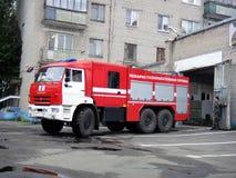 Alter Firetruck am Erscheinen Lizenzfreie Stockfotografie