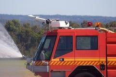 Alter Firetruck am Erscheinen Lizenzfreie Stockbilder