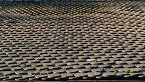 Alter Fliesen-Dach-Hintergrund Stockbild