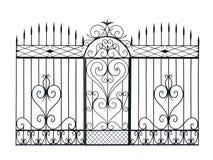 Alter geschmiedeter Zaun und Tür mit Verzierung. Lizenzfreie Stockbilder
