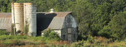 Alter Gray Barn Lizenzfreies Stockfoto