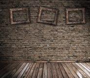 Alter grunge Innenraum mit unbelegten Feldern lizenzfreie stockfotografie