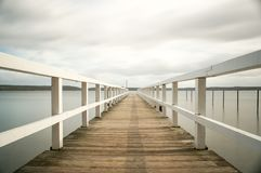 Alter hölzerner Pier stockfoto