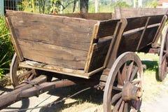 Alter hölzerner Wagen Stockfotografie