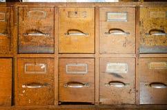 Alter hölzerner Werktisch Stockbild