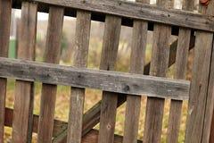 Alter hölzerner Zaunhintergrund Stockfoto