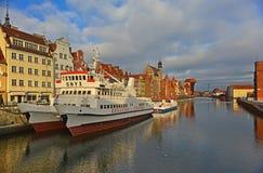 Alter Hafenkanal in Gdansk Stockfoto
