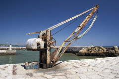 Alter Hafenkran in Lagos, Portugal, Stockfoto