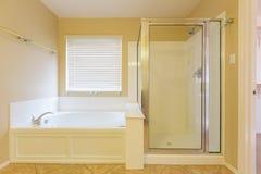 Alter Hauptbadezimmer Stockfoto