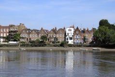 Alter Haus-Fluss Themse London lizenzfreies stockbild